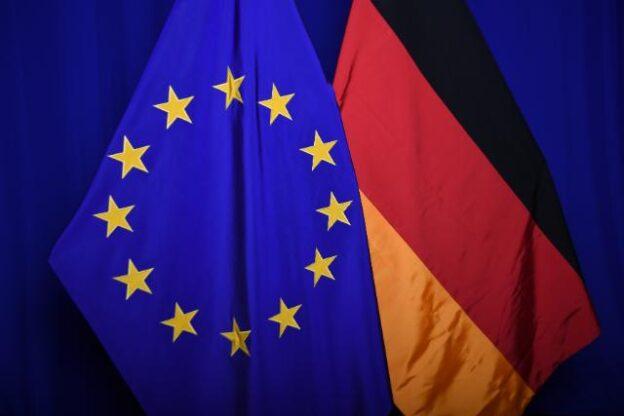 deutsches Hinweisgeber-Schutzgesetz als Umsetzung der EU-Richtlinie zum Hinweisgeberschutz mit der Verpflichtung zur Einführung von Hinweisgeberschutzsystemen